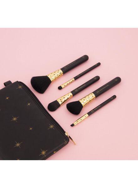 brush set with small make-up bag - 11290007 - hema