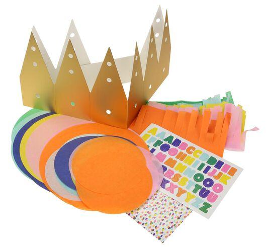 crown for sharing treats cardboard DIY - 14200478 - hema