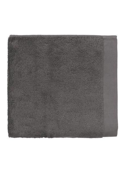 serviette de bain - 70 x 140 cm - qualité hôtel très douce - gris foncé uni - 5220033 - HEMA