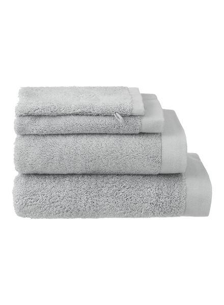 gant de toilette - hôtel extra doux - gris clair uni - 5237005 - HEMA