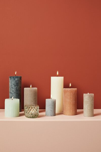 rustic candle with relief - 7x13 - terracotta - 13502605 - hema