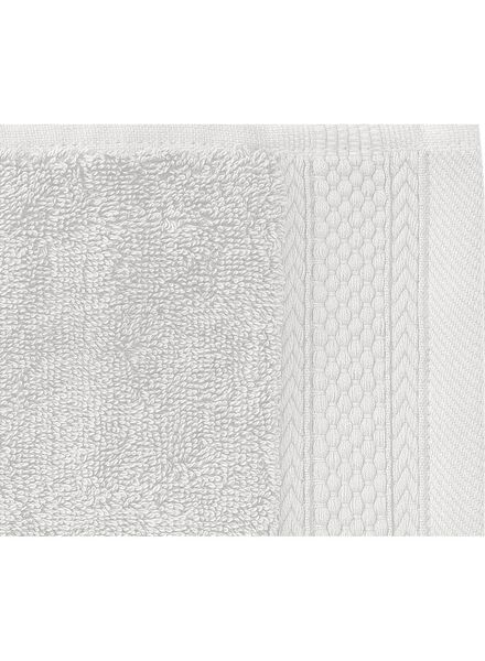 towel - 60 x 110 cm - hotel extra thick - light grey plain light grey towel 60 x 110 - 5240199 - hema