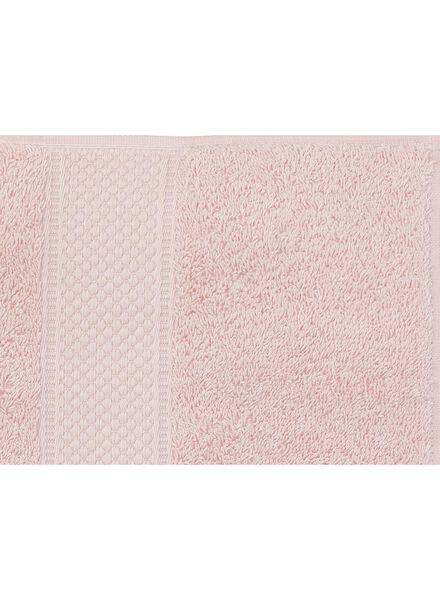 serviette de bain-70x140 cm-qualité épaisse-rose clair uni rose pâle serviette 70 x 140 - 5240014 - HEMA