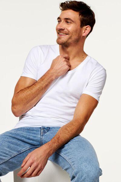 t-shirt homme slim fit col en V profond blanc blanc - 1000016216 - HEMA
