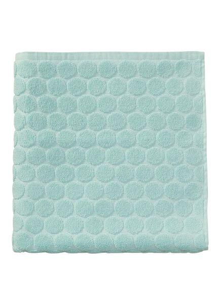serviette de bain-70x140 cm-qualité épaisse-menthe pois - 5240175 - HEMA