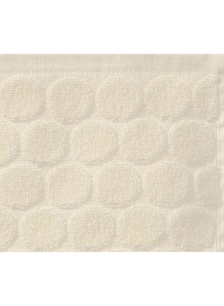 serviette de bain-70x140 cm-qualité épaisse-écru pois - 5240188 - HEMA